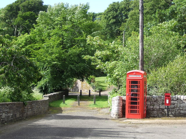 Telephone kiosk and Postbox in Berriedale