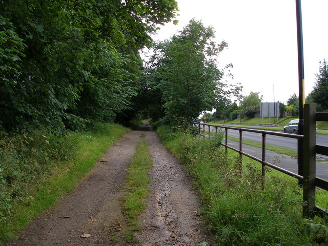 Mill Lane runs parallel to the A1027