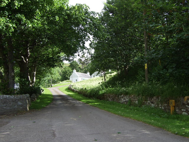 Entrance driveway to Longwell House
