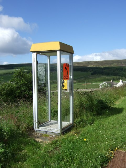 Telephone kiosk at Ousedale