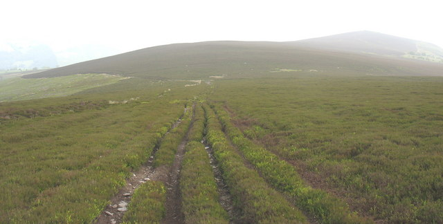 Approaching the Dee-Ceiriog path