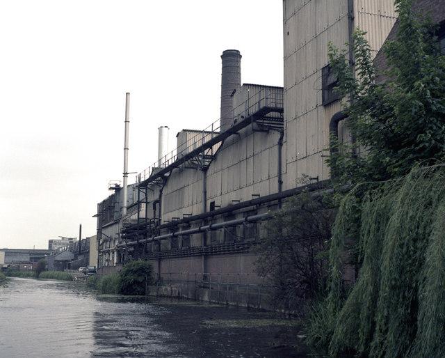 Coventry Canal near Bridge 6