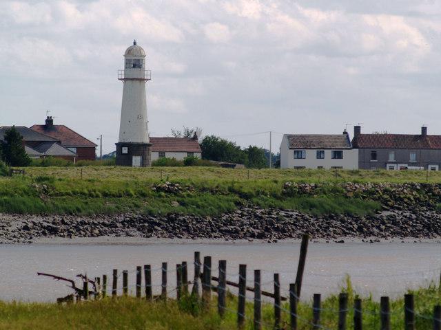 Whitgift lighthouse from Yokefleet Hutch Lane