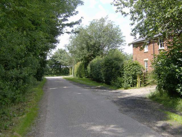 Lane leading from Ulceby village to the busy A1028