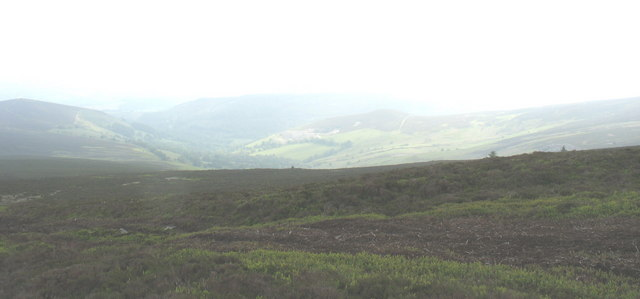 View east across the summit of Moel Fferna