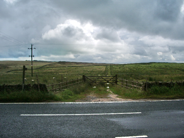 Footpath to Grindleton Fell