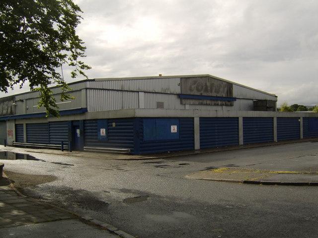 Disused Comet warehouse, Renfrew