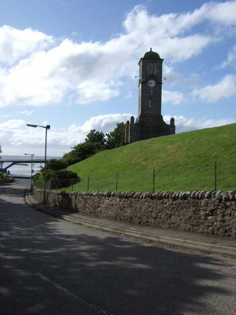 Helmsdale: War Memorial and New Bridge