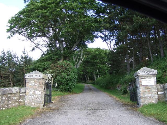 Kintradwell Lodge driveway