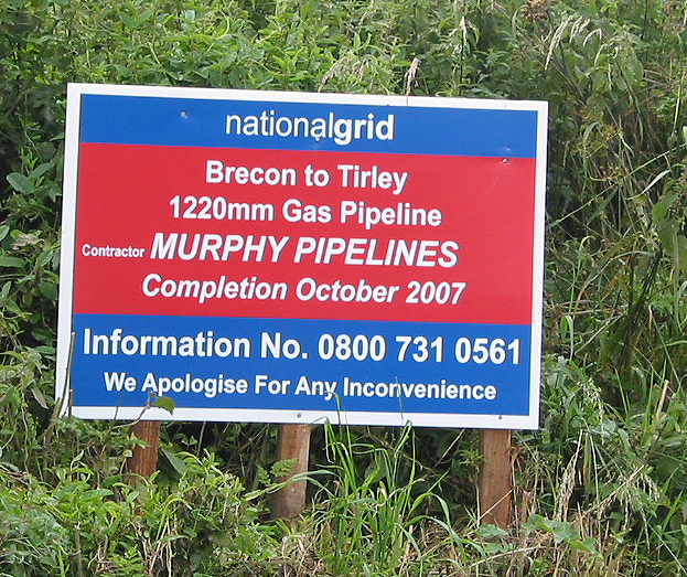 Informative sign about pipeline installation