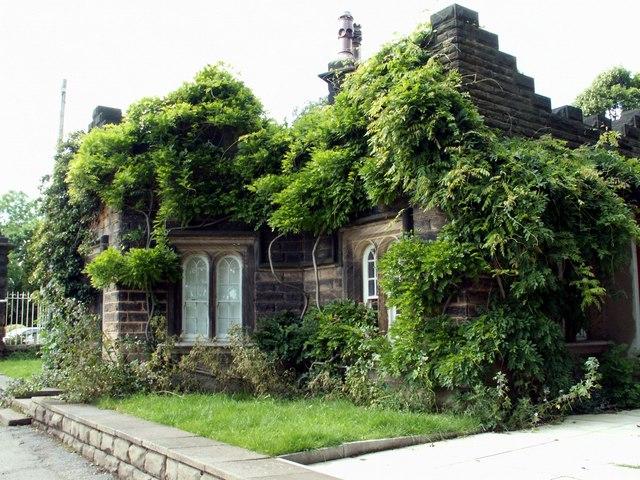 The Gatehouse Newmillerdam.