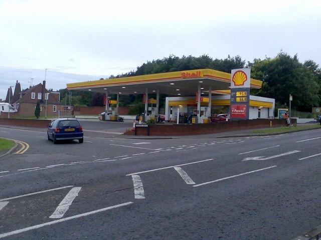 Shell Petrol garage on Poynters Road