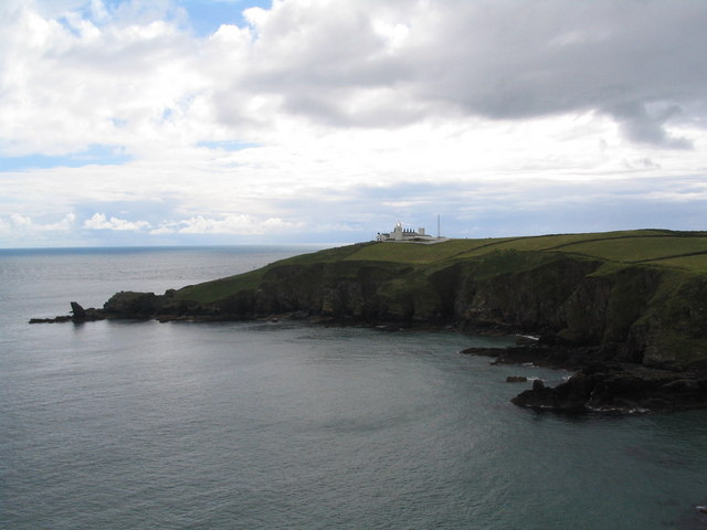 Lizard Point Lighthouse from across Housel Bay