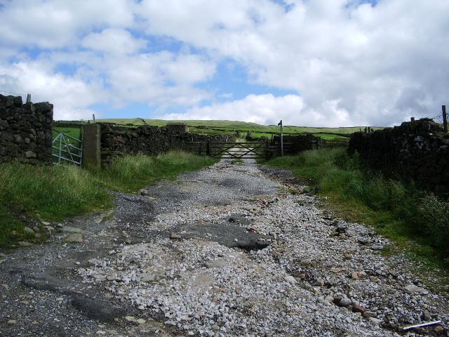Road to Slade Barn