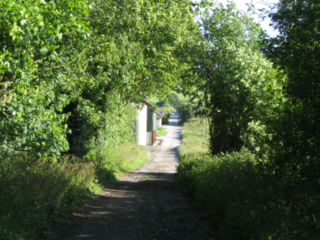 Bridleway near Teffont Field Buildings 3