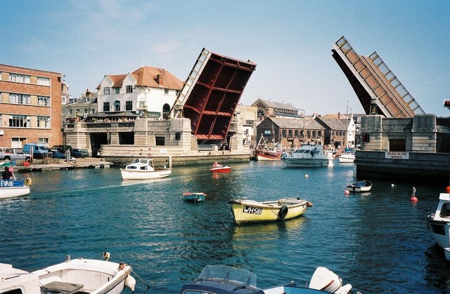 Weymouth: lifting bridge