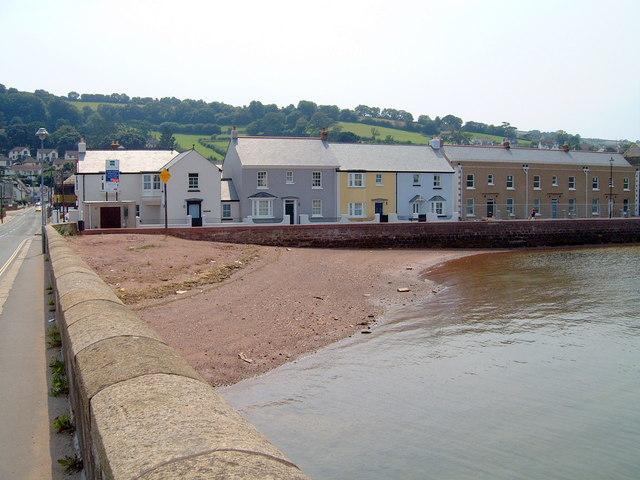 Houses near Shaldon bridge