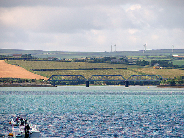 Railway bridge across Little Petherick Creek