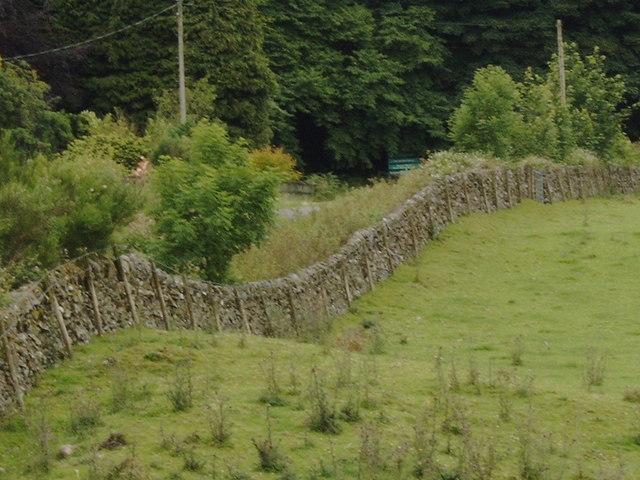 Stone wall near Laurieston
