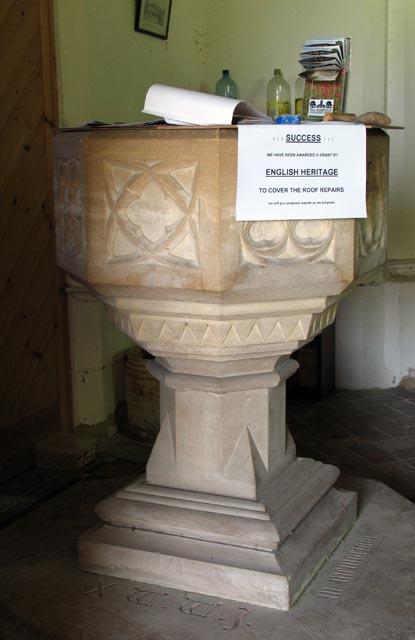 St Andrew, Attlebridge, Norfolk - Font