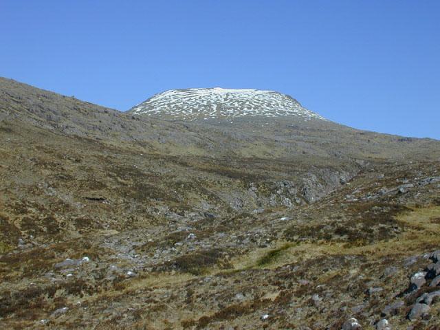 Intermediate ground below Beinn Tarsuinn
