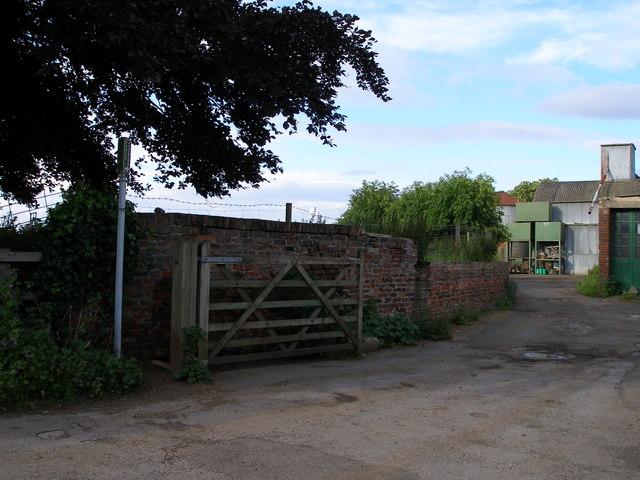 The footpath passes through the farmyard