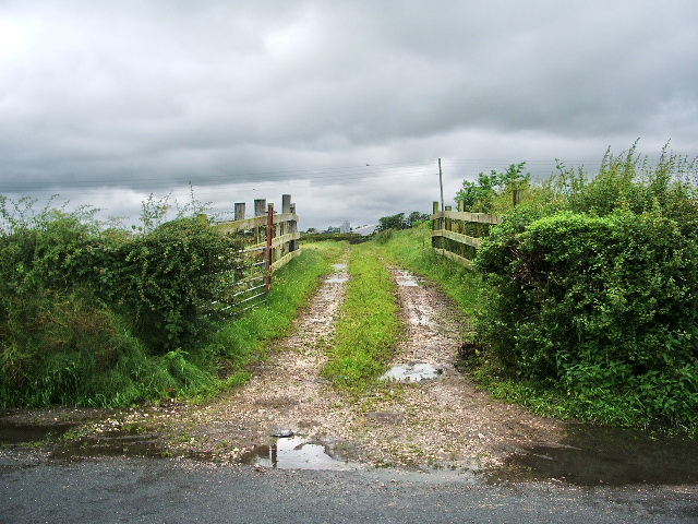 Footpath to Field Foot Farm