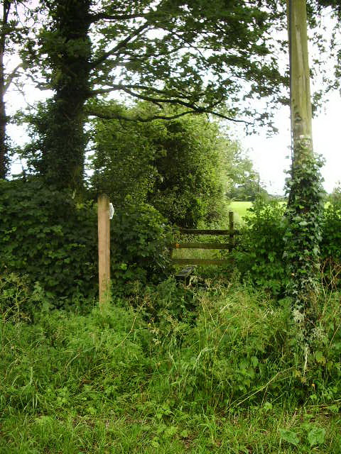 Footpath to Field Foot Farm