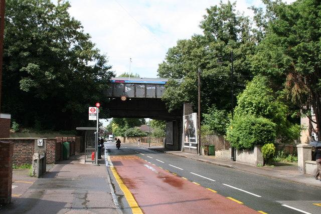 Railway bridge over North Street, Carshalton