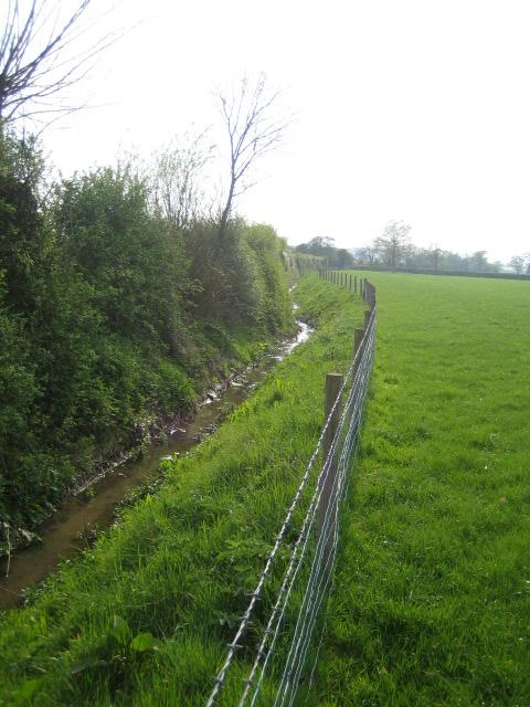 Stream near Hogshaw, Botolph Claydon