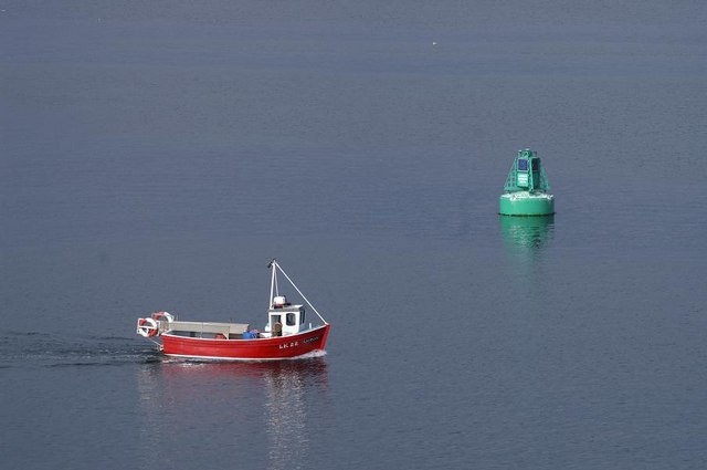 Red boat, green buoy