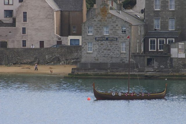 Queen's Hotel and the Dim Riv, Lerwick