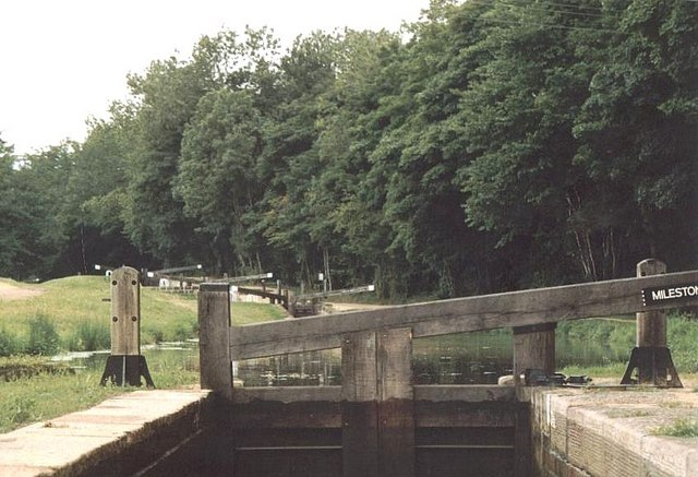 2003 : Milestone Lock - No.29 - Chesterfield Canal