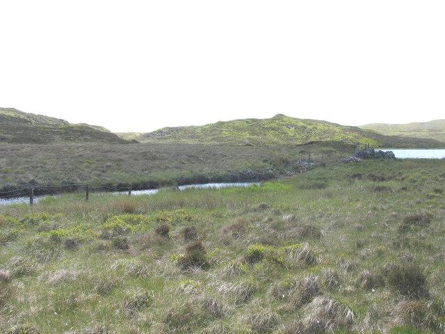Afon Prysor issuing from Llyn Conglog-mawr