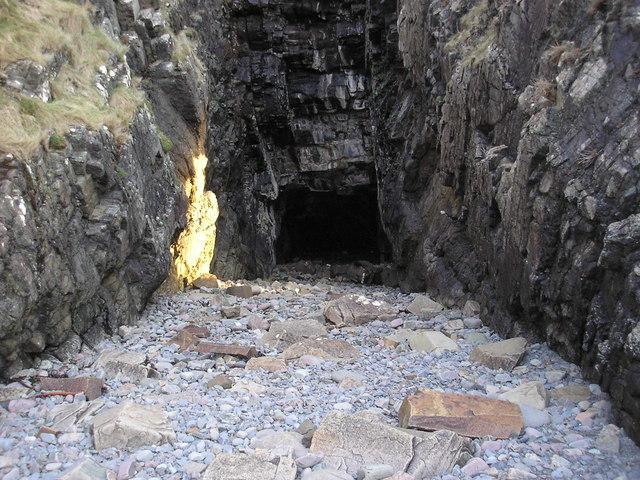 Tarskavaig Cave