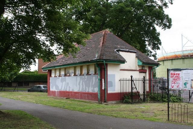Disused toilet block, Wrythe Recreation Ground, Carshalton