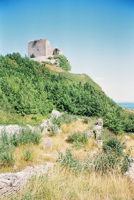 Portland: Rufus Castle and St. Andrew�s church
