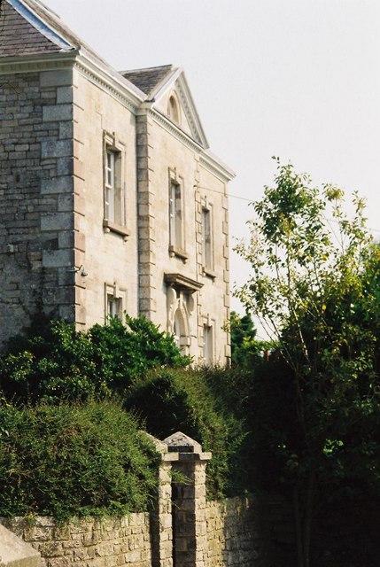 Rodden House façade