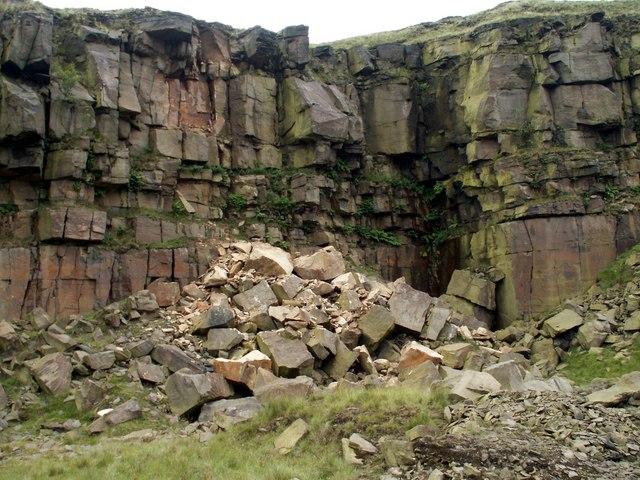 Loft End Quarry Crowden