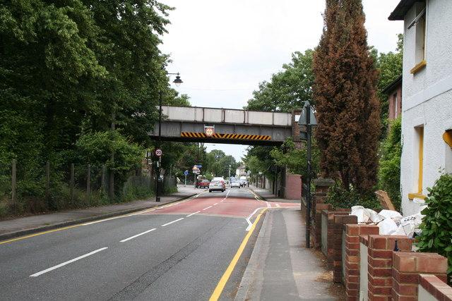 Railway bridge over West Street