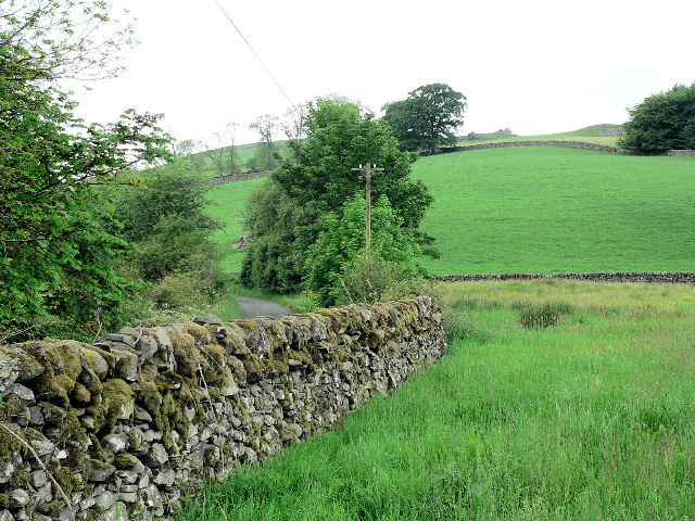 Old drystone wall in good condition