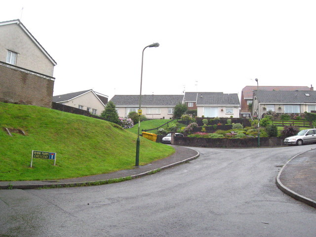 Rhiw Farm Crescent
