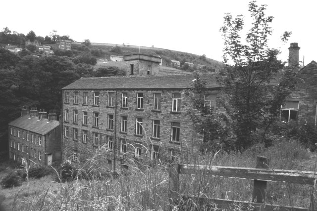 Albion Mills, Brook Lane, Golcar