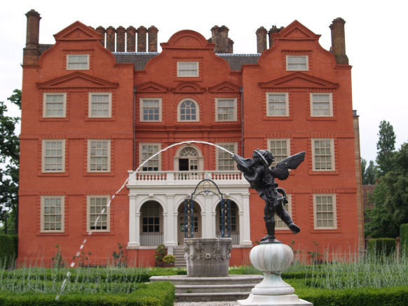 Kew Palace with fountain.