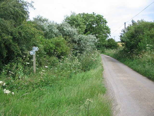 Bridleway and footpath on the lane to Grickstone Farm