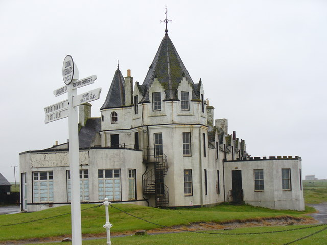 John o' Groats - Signpost and Hotel