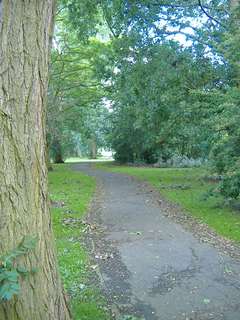 Boothferry High Road footpath