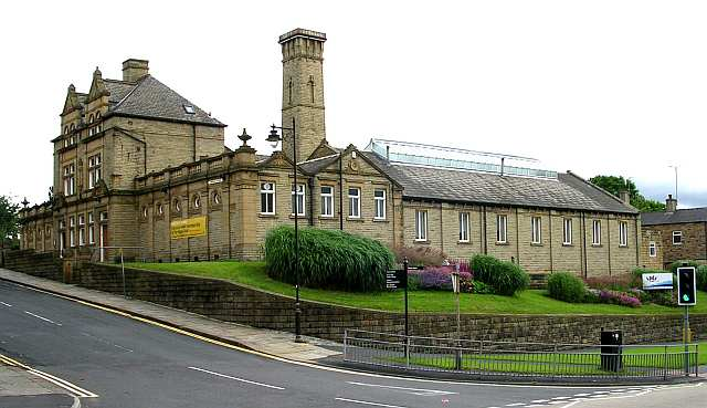 Baths & Recreation Centre - Cambridge Street