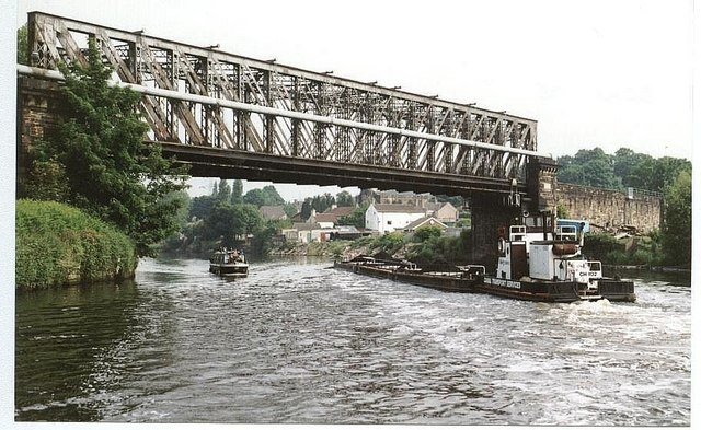 2001 : Railway Bridge - Brotherton