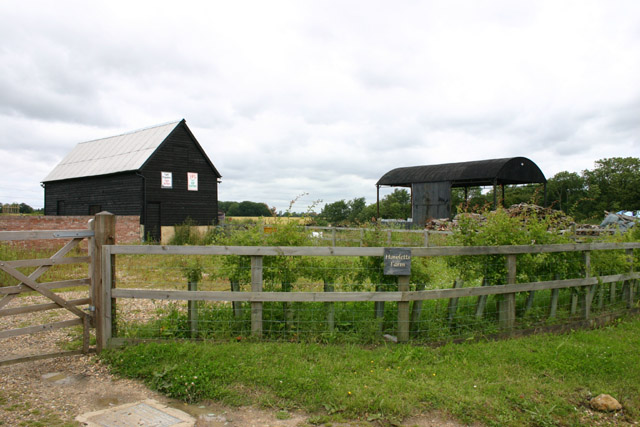 Farm buildings at Hewletts Farm